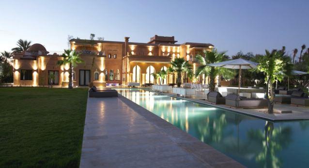 Et si vous optiez pour la location villa marrakech avec for Villa a marrakech avec piscine